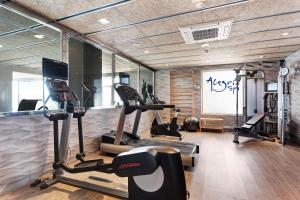 The fitness center and/or fitness facilities at Catalonia Reina Victoria
