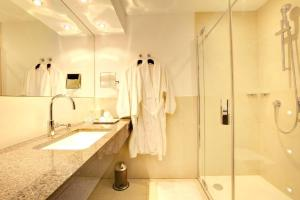 A bathroom at Hotel Favor