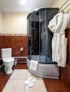 Un baño de Sovetskaya Themed Hotel