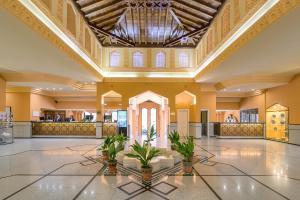 El vestíbulo o zona de recepción de Hotel Saray