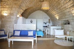 A seating area at Le Blanc Bleu