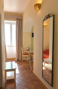 A seating area at B&B Il Porticciolo di Amalfi