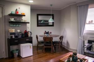 A kitchen or kitchenette at Tejas Del Sur