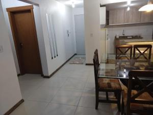 A cozinha ou cozinha compacta de Apartamento Serra Bella - Canela RS