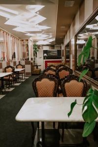 Ресторан / где поесть в Гостиничный Комплекс Арт-Отель