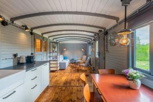 A kitchen or kitchenette at VAGOON ubytování ve vagonech