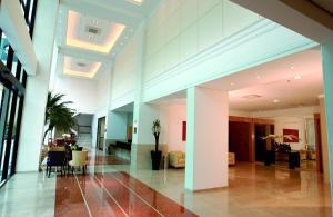 The lobby or reception area at Luz Plaza São Paulo