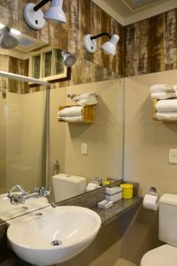 A bathroom at Apartamento Kami