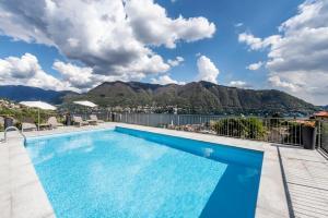 The swimming pool at or near Hotel Asnigo