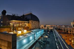 The swimming pool at or close to Ohla Barcelona