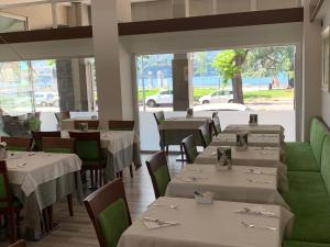 A restaurant or other place to eat at Hotel Alberi
