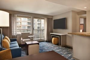 A television and/or entertainment center at Homewood Suites by Hilton-Seattle Convention Center-Pike Street