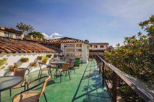 Vue sur la piscine de l'établissement Botanico Hostel ou sur une piscine à proximité