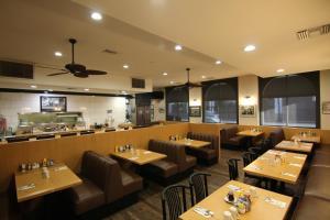 Ресторан / где поесть в Dunes Inn - Sunset
