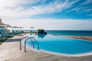Basen w obiekcie Iberostar Playa Gaviotas-All inclusive lub w pobliżu