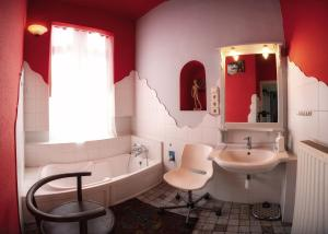 A bathroom at Santico Art Hotel and Hostel