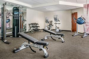 The fitness center and/or fitness facilities at Courtyard Charlotte City Center