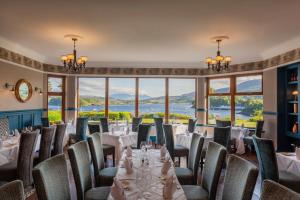 A restaurant or other place to eat at Cuillin Hills Hotel