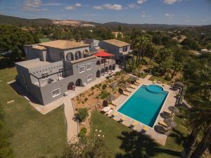 Uma vista aérea de L´Auberge Casa Do Monte