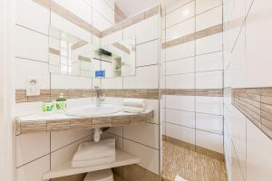 A bathroom at La Rocca