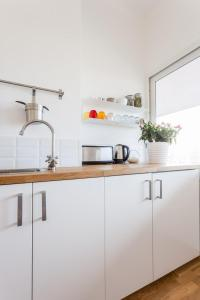 A kitchen or kitchenette at Le Minot