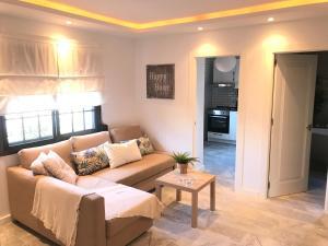 A seating area at Luxury Loft Malaga Torremolinos Sol