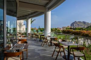 Restauracja lub miejsce do jedzenia w obiekcie Leonardo Kolymbia Resort Rhodes