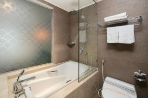 A bathroom at Canary Hotel