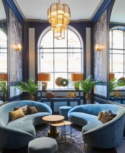 De lounge of bar bij Hotel Konti Bordeaux by HappyCulture