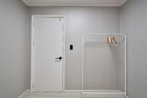 A bathroom at Designers Flat