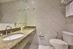 Ванная комната в Comfort Ibirapuera