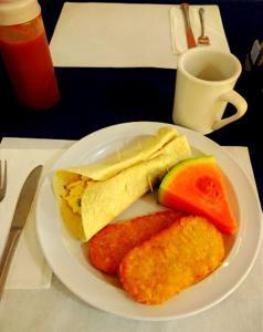 Options de petit-déjeuner proposées aux clients de l'établissement Royal Islander Hotel