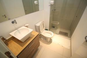 A bathroom at Hotel da Praça