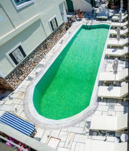 Θέα της πισίνας από το Ifestia Hotel ή από εκεί κοντά