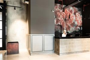 O saguão ou recepção de J24 Hotel Milano