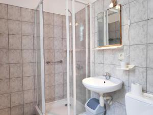 Kúpeľňa v ubytovaní Elīna