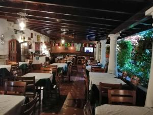 A restaurant or other place to eat at Hotel El Arroyo