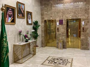 O saguão ou recepção de Ladera Hotel Tanomah