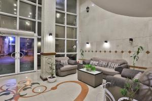 O saguão ou recepção de Al Rose Al Motamaiza Furnished Apartment