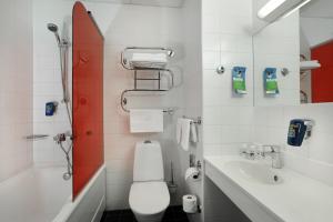 Ein Badezimmer in der Unterkunft Park Inn by Radisson Central Tallinn
