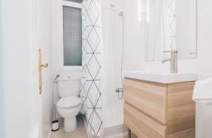 A bathroom at Altair apartment by People Rentals