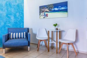 A seating area at Aeolos Hotel