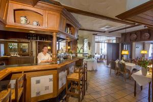 A restaurant or other place to eat at Hotel Restaurant Brintrup
