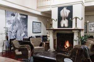 The lobby or reception area at The Manor House Daylesford