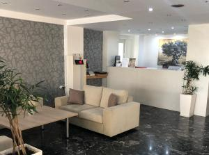The lobby or reception area at Mimosa Suites