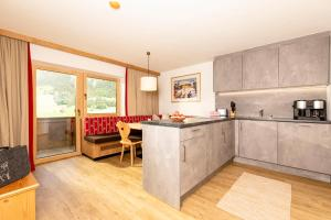 A kitchen or kitchenette at Bergwald