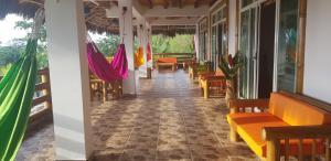 Un restaurante o sitio para comer en Casa Gaia Mompiche
