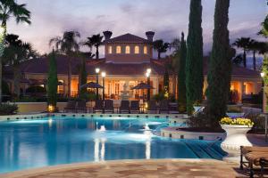 Het zwembad bij of vlak bij WorldQuest Orlando Resort