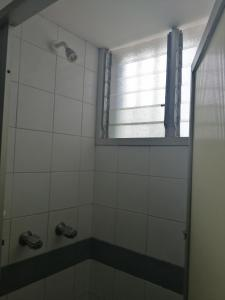 A bathroom at Hotel El Limón