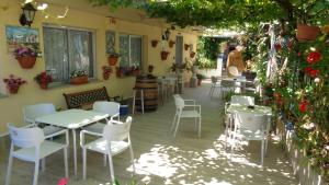 A restaurant or other place to eat at Hotel Vasco Da Gama